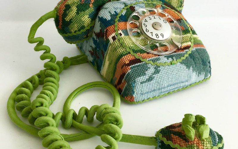 Оригинальное украшение: вышивка дарит новую жизнь вещам