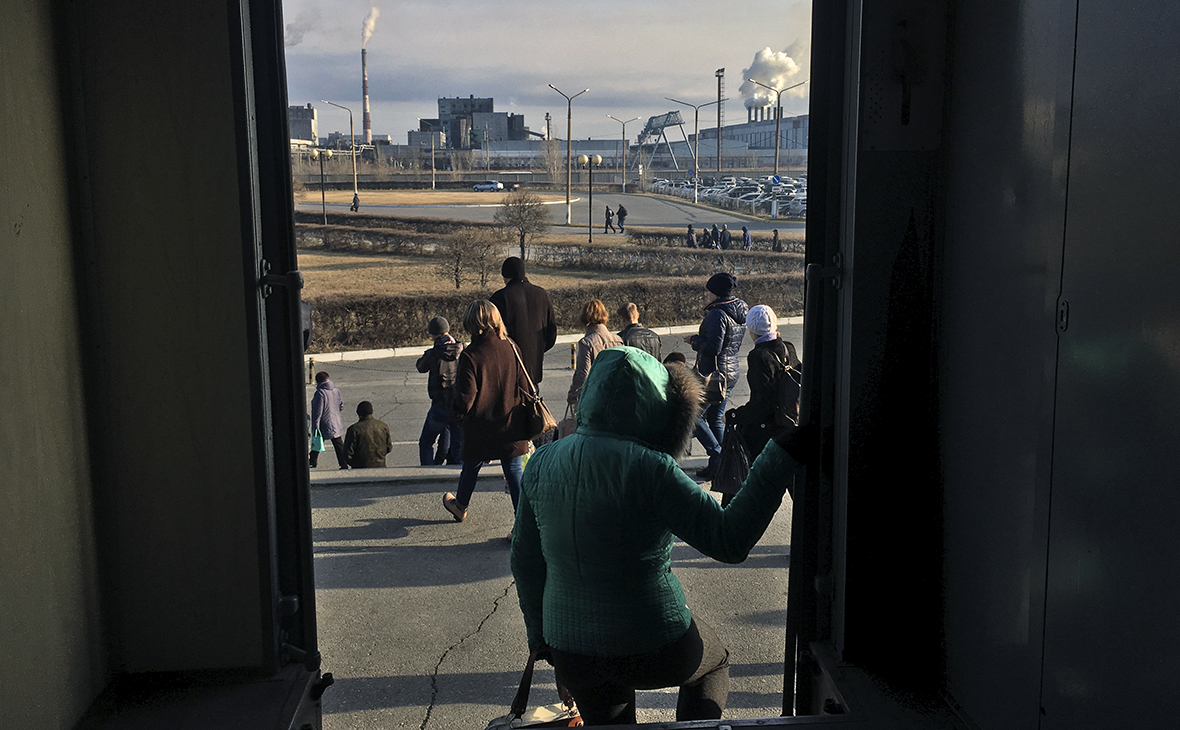 Россияне стали больше работать впервые с 2014 года