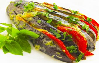 Рецепт, после которого вы полюбите баклажаны – веер из баклажанов!