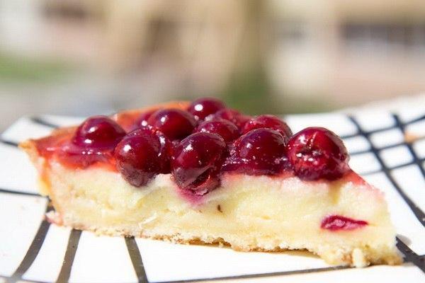 Тирольский пирог с вишней: наверняка, Вы думаете, что приготовить его сложно!