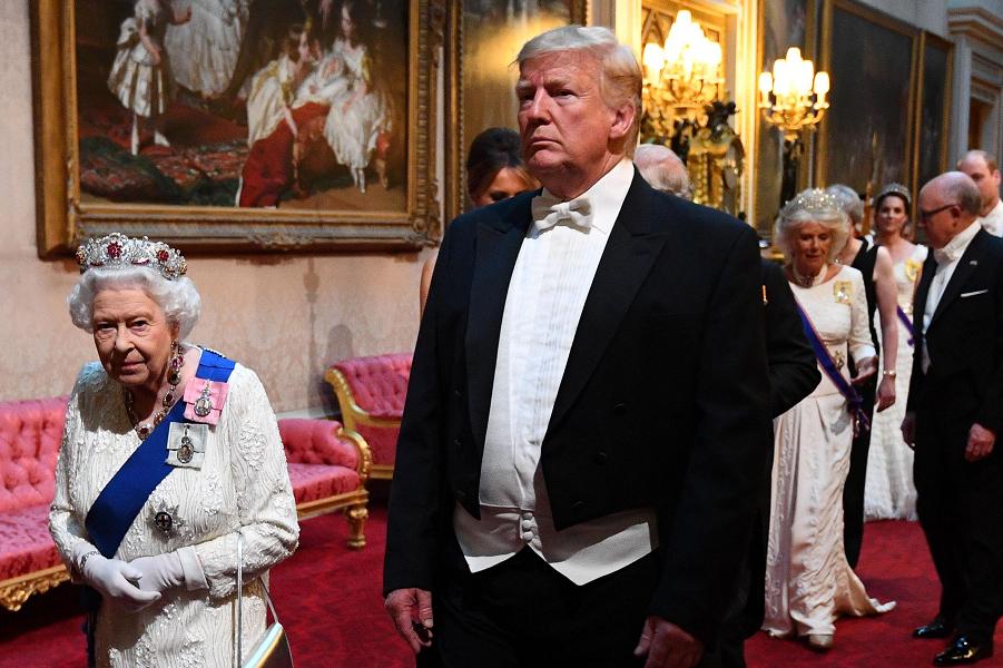 Закат. Великобритания больше не интересна США. Потому что перестала быть Великой