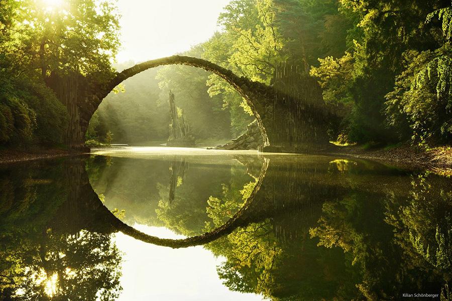 15 удивительных мостов, в которых застыли природа и время