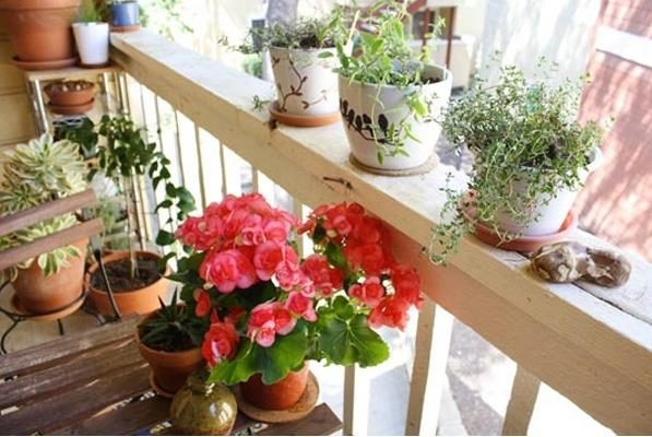 Идеи обустройства небольших балконов