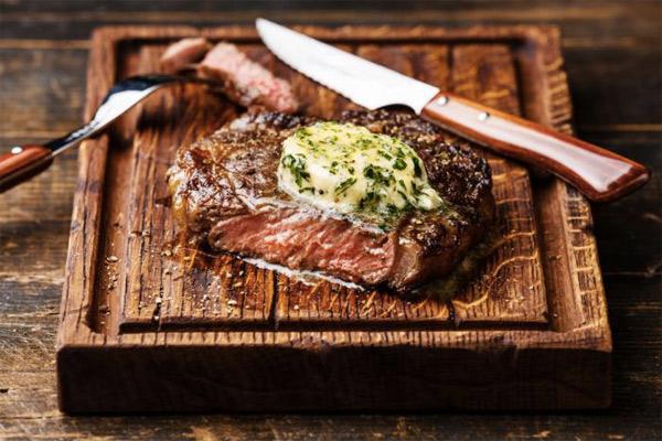 Как звездные шефы готовят самые дорогие куски мяса на планете