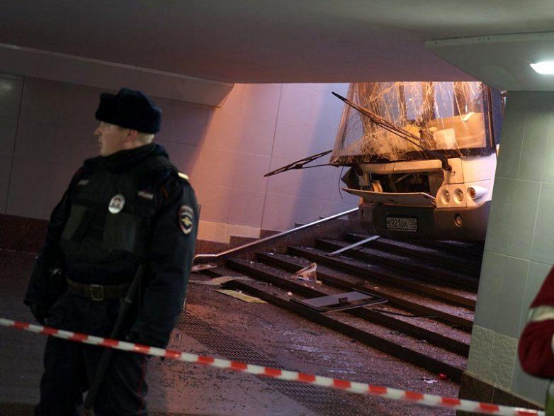 У водителя автобуса, задавившего людей в Москве, произошло кровоизлияние в мозг