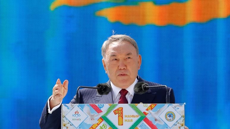 EurasiaNet: Назарбаев снова …