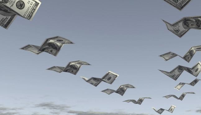 ЦБ: чистый отток капитала из России за 10 месяцев вырос в три раза