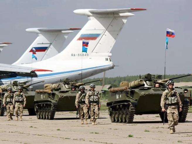 Странно: почему русские не воюют в Сирии с ППШ и на Т-34?