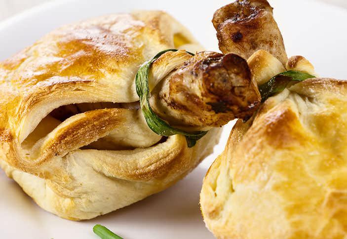 Мешочки из теста с курицей и грибами рецепт