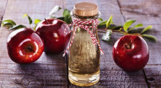 Почему вам нужно пить яблочный уксус каждое утро, согласно исследованиям
