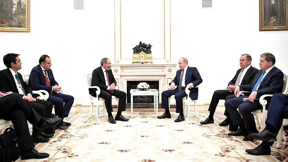 СМИ: Москва «разочарована» действиями новых властей Армении