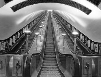 СМИ: людей экстренно эвакуировали с лондонского вокзала Чаринг-кросс