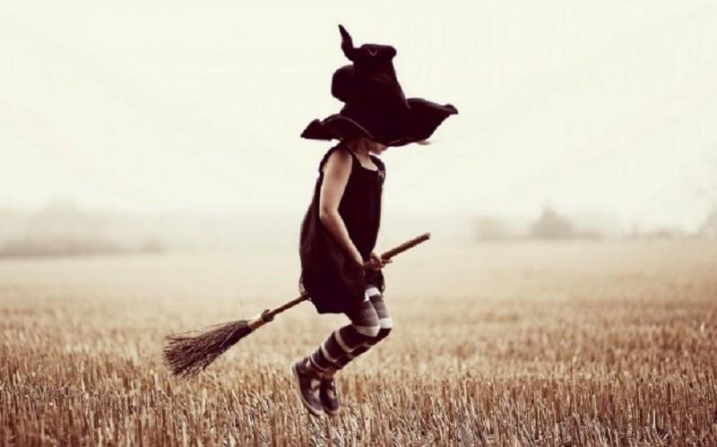 Метла: чистильщик, а не средство передвижения обычаи и традиции, приметы, суеверия