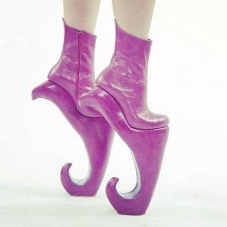 Девушки и их обувь!