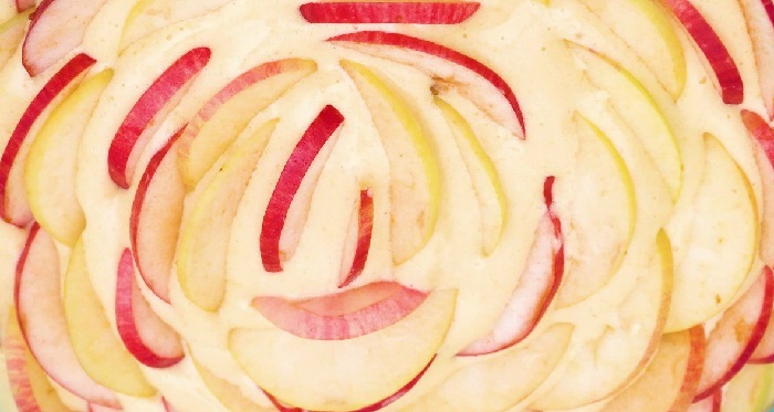лепешка с яблоками
