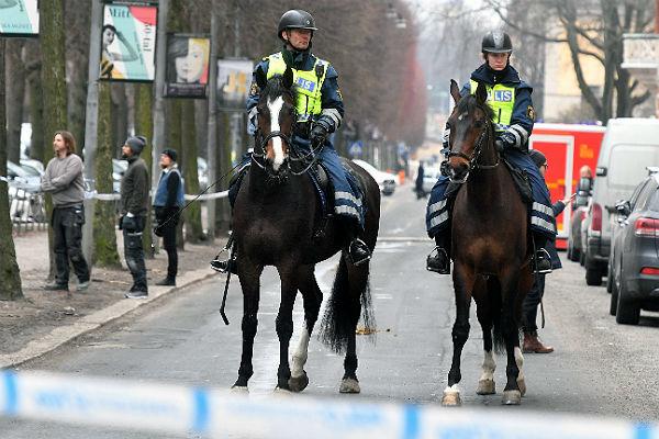 МИД КНР отчитал Швецию за грубость ее полицейских