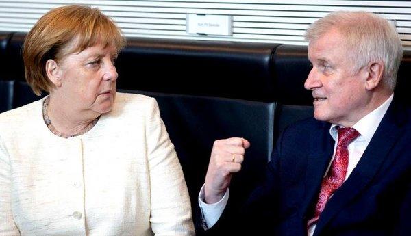 Бунт в Германии: Меркель гро…