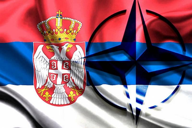 США открывают на Балканах фа…
