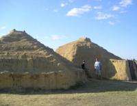 Модель  древних хижин (Фото: И. Петрищева, личный архив)