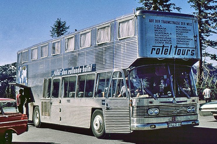 Автобусы-гостиницы Rotel Tours колесят по миру еще с прошлого столетия