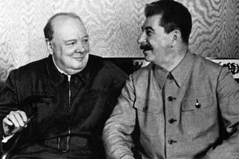 Как могла проходить Вторая мировая война, если бы Сталин заключил союз с Францией и Англией