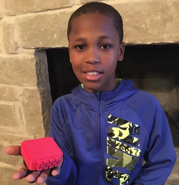 Его сосед умер в раскаленной машине… Тогда мальчик изобрел то, что спасет миллионы людей по всему миру!