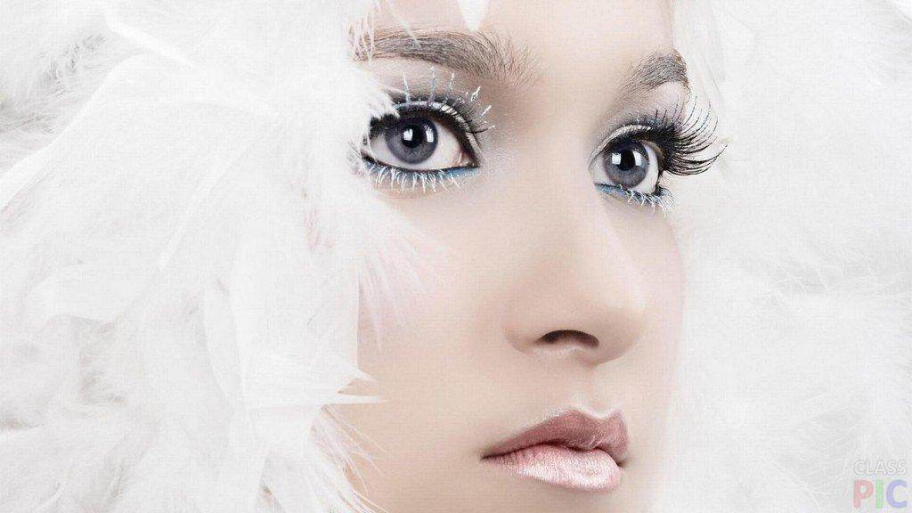 Снежная королева удивляет и зачаровывает своей холодной красотой...