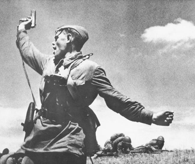 Так уж ли важно, кто именно на этом эпохальном снимке Великой Отечественной Войны боец, война, история, комбат, фотография