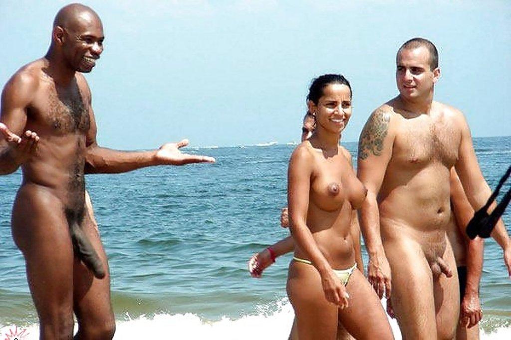 фильм эротика напляже у парня встал смотреть онлайн