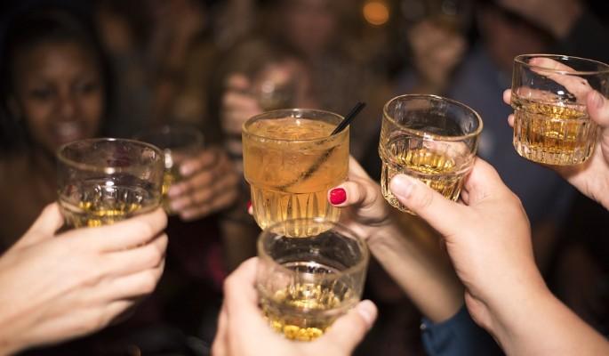Ученые разрешили пить алкоголь маленькими дозами