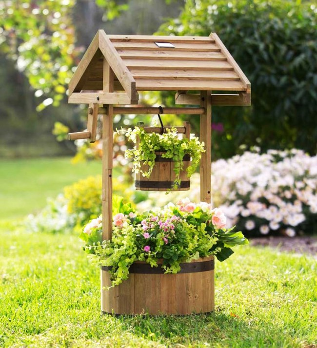 Дизайн садовых колодцев