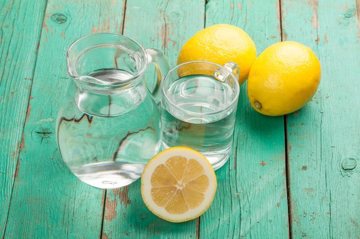 4. Вода с лимоном