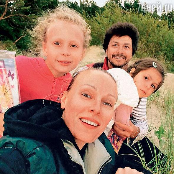 ольга ломоносова с мужем и детьми отдела полиции
