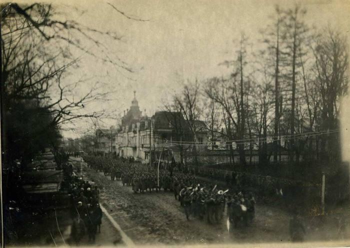 Парад военного гарнизона. 7 ноября 1923 года.