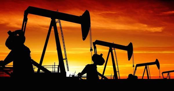 Цена на нефть Brent достигла 84 долларов впервые за четыре года