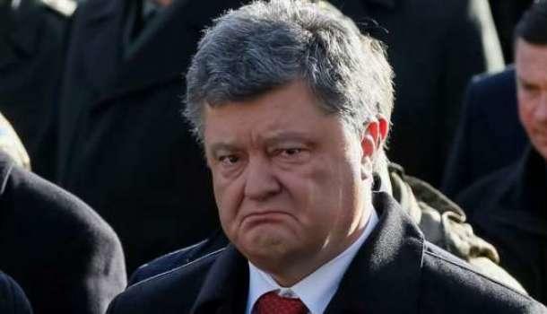 «Там гибридная армия РФ!», — парады 9 мая в Донецке и Луганске не дают Порошенко прийти в себя