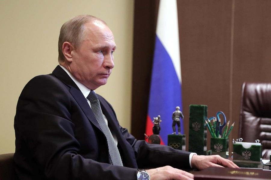 """Почему Путин не хочет идти на выборы от """"Единой России""""?"""