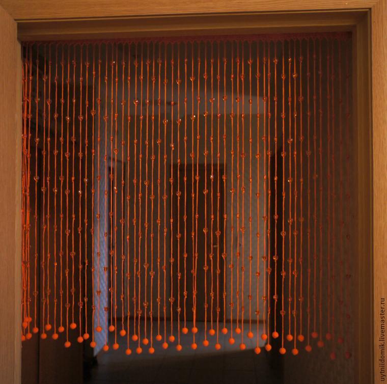 Вяжем оригинальные шторы на дверь