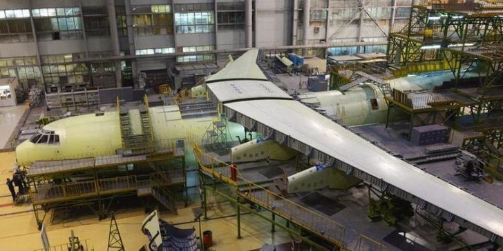 Началась установка российской линии роботизированной сборки самолета Ил-76МД-90А (Ил-476)