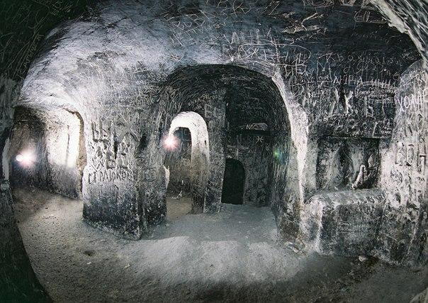 Калачеевская пещера – одна из самых протяженных в России. До сих пор точное предназначение пещеры неизвестно.