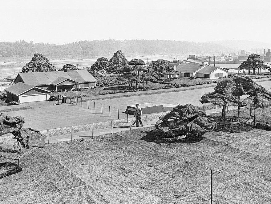 Как американцам во время войны удалось спрятать целый завод