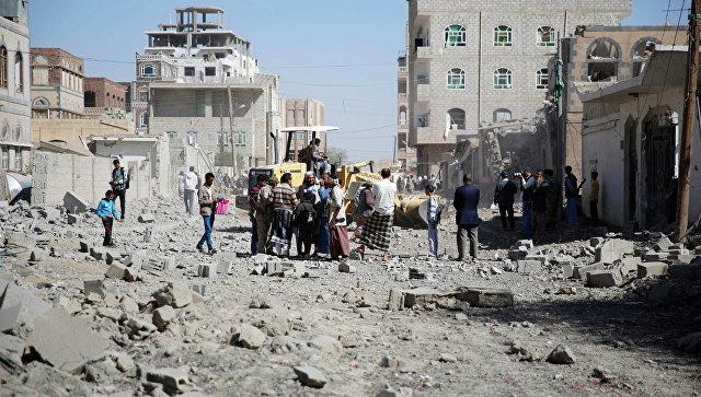 В ходе авиаударов арабской коалиции в Йемене погибло не менее 7 человек