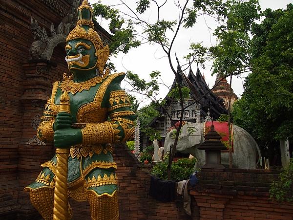 Буддийский храм Ват Лок Моли…