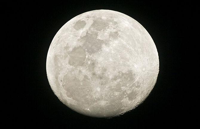 Пять необычных проектов по освоению Луны