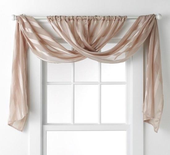 Элегантные шторы в спальне
