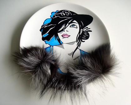 """Тарелки ручной работы. Ярмарка Мастеров - ручная работа """"Девушка в шляпе-2"""". Handmade."""