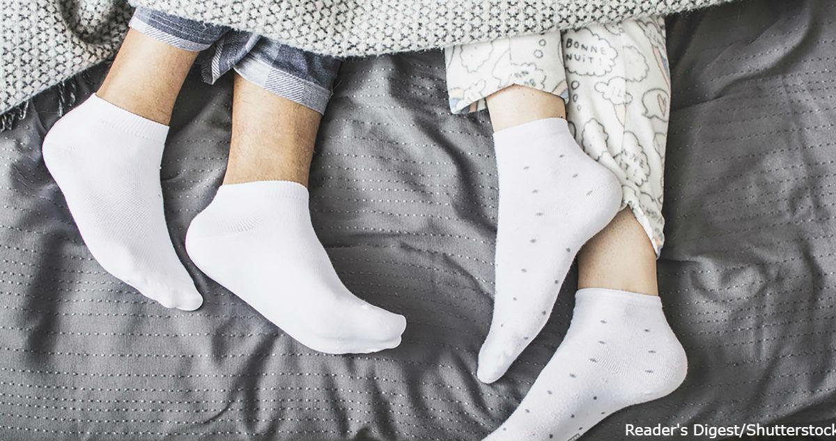 Спите в носках, чтобы выспаться: эта штука заложена в нас генетически