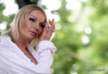 Танцовщица Анастасия Волочкова приступила к написанию новой книги