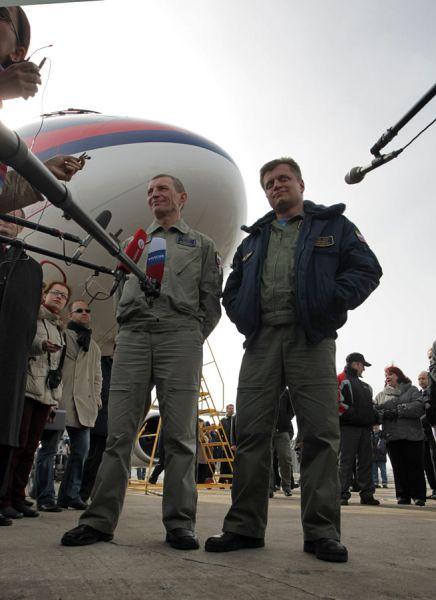 Летчикам-испытателям компании Гражданские самолеты Cухого присвоены почетные звания Заслуженных летчиков-испытателей Российской Федерации