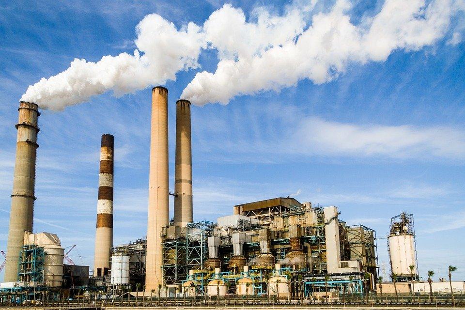 Российские предприятия обяжут вести постоянный контроль за выбросами вредных веществ